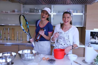 Baking with Ioana Uretu from Carti, dulciuri si flori